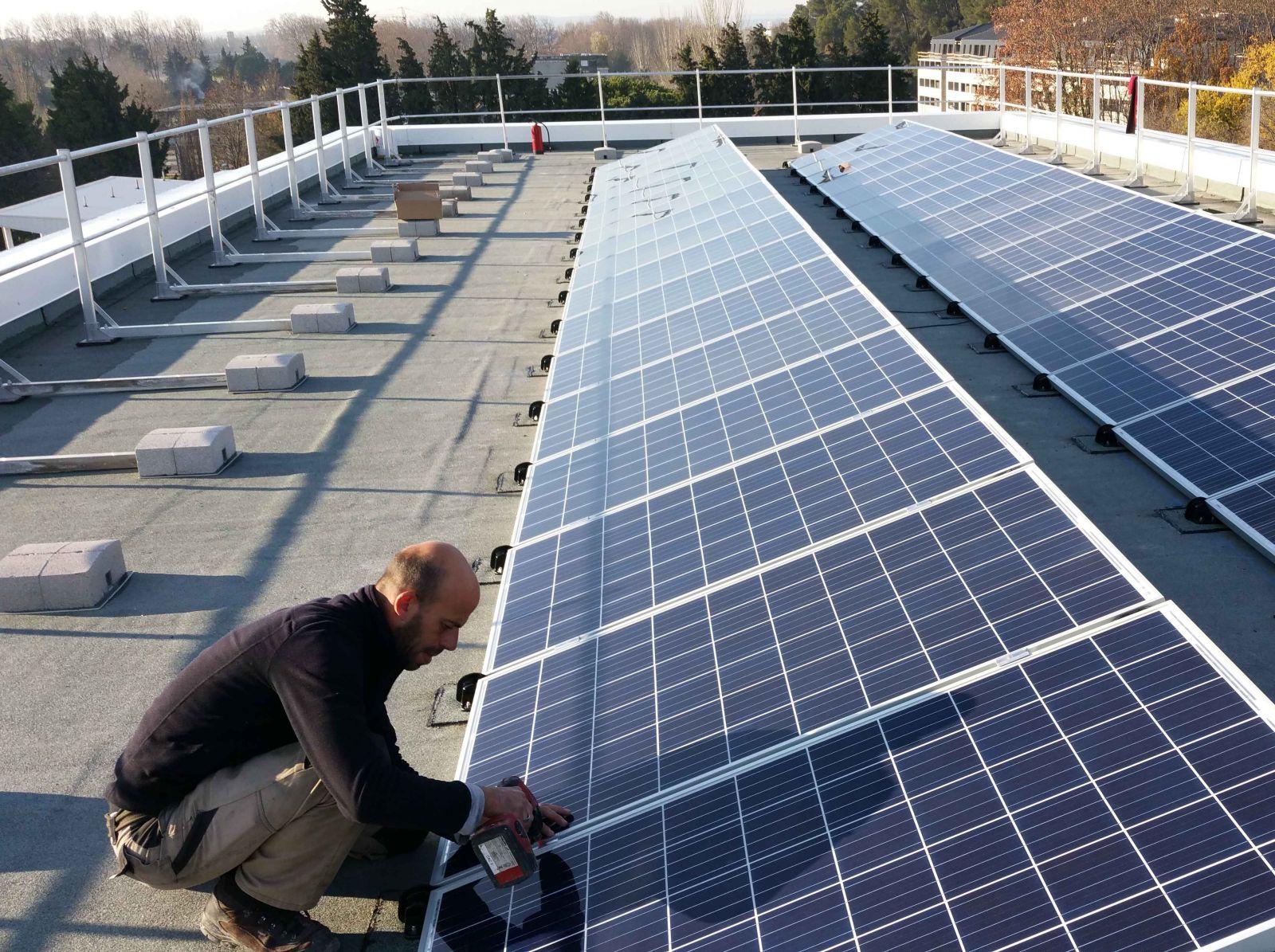 R alisation d un kit solaire autoconsommation sur un for Immeuble bureau