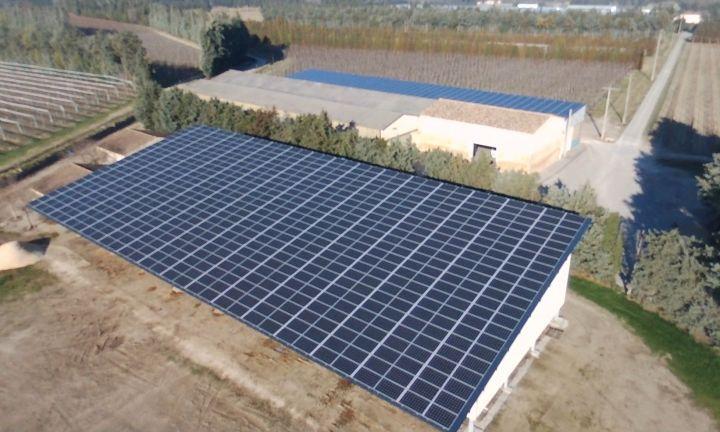construction d 39 un hangar agricole photovolta que montpellier installateur dans les bouches du. Black Bedroom Furniture Sets. Home Design Ideas